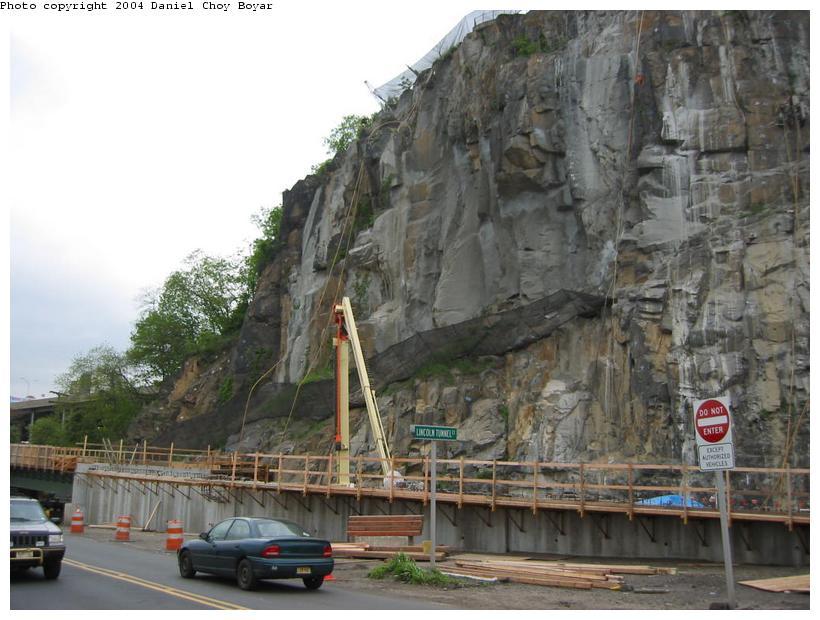 (87k, 820x620)<br><b>Country:</b> United States<br><b>City:</b> Weehawken, NJ<br><b>System:</b> Hudson Bergen Light Rail<br><b>Location:</b> Between Lincoln Harbor and Port Imperial <br><b>Photo by:</b> Daniel C. Boyar<br><b>Date:</b> 5/16/2003<br><b>Notes:</b> New ROW bridge over Baldwin Ave.<br><b>Viewed (this week/total):</b> 1 / 2607