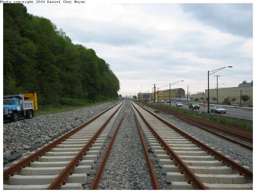 (85k, 820x620)<br><b>Country:</b> United States<br><b>City:</b> Weehawken, NJ<br><b>System:</b> Hudson Bergen Light Rail<br><b>Location:</b> Between Lincoln Harbor and Port Imperial <br><b>Photo by:</b> Daniel C. Boyar<br><b>Date:</b> 5/16/2003<br><b>Notes:</b> ROW heads north<br><b>Viewed (this week/total):</b> 2 / 2568