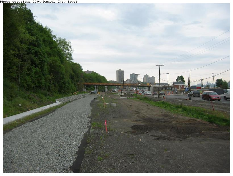 (76k, 820x620)<br><b>Country:</b> United States<br><b>City:</b> Weehawken, NJ<br><b>System:</b> Hudson Bergen Light Rail<br><b>Location:</b> Between Lincoln Harbor and Port Imperial <br><b>Photo by:</b> Daniel C. Boyar<br><b>Date:</b> 5/16/2003<br><b>Notes:</b> ROW continues north<br><b>Viewed (this week/total):</b> 2 / 2108