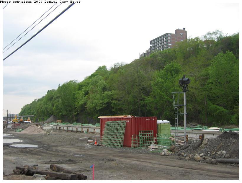 (78k, 820x620)<br><b>Country:</b> United States<br><b>City:</b> Weehawken, NJ<br><b>System:</b> Hudson Bergen Light Rail<br><b>Location:</b> Port Imperial <br><b>Photo by:</b> Daniel C. Boyar<br><b>Date:</b> 5/16/2003<br><b>Notes:</b> Site of Port Imperial Station, w/ former Conrail/CSX signal<br><b>Viewed (this week/total):</b> 1 / 3300