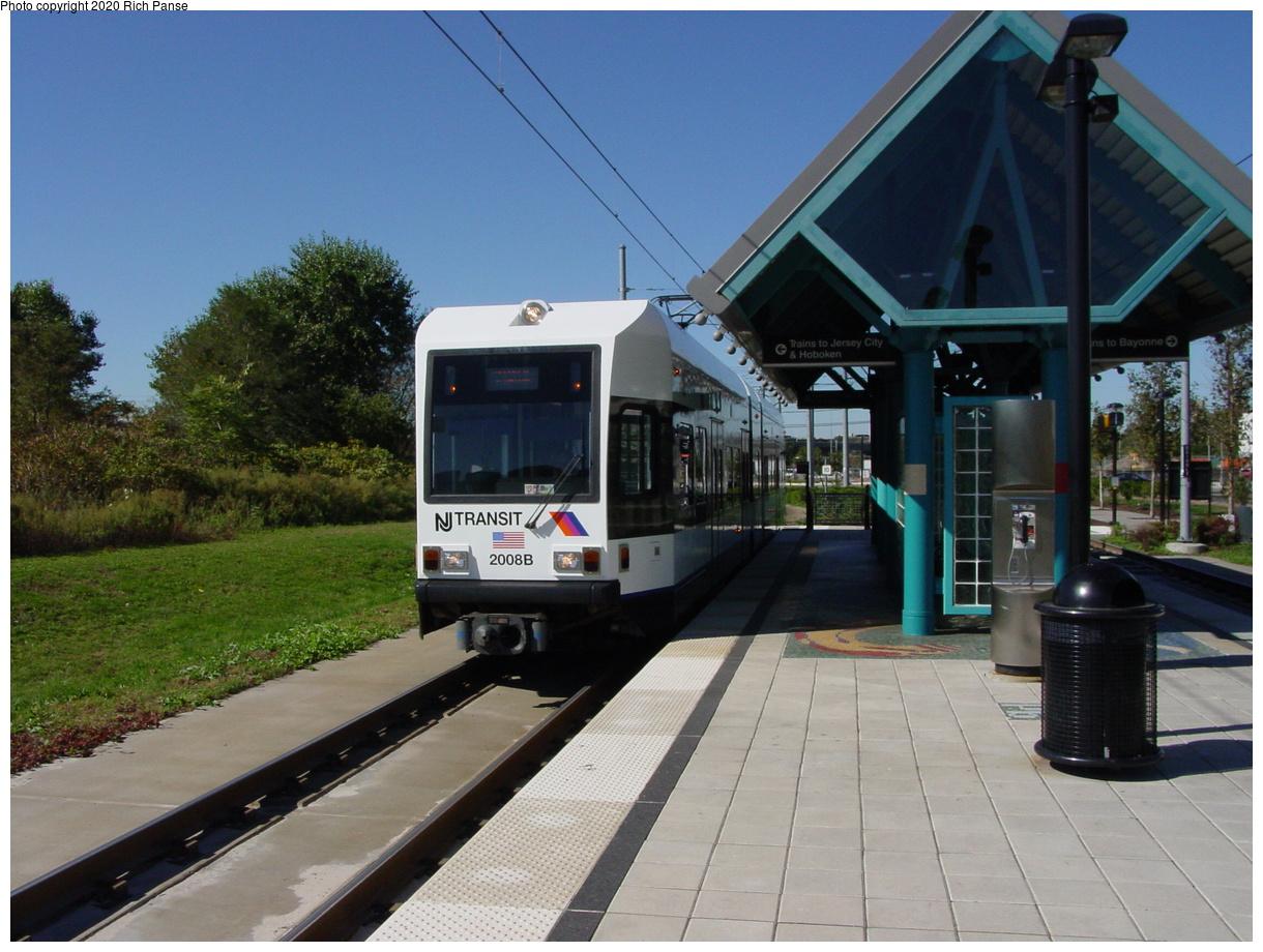 (78k, 820x620)<br><b>Country:</b> United States<br><b>City:</b> Jersey City, NJ<br><b>System:</b> Hudson Bergen Light Rail<br><b>Location:</b> Jersey Avenue <br><b>Car:</b> NJT-HBLR LRV (Kinki-Sharyo, 1998-99)  2008 <br><b>Photo by:</b> Richard Panse<br><b>Date:</b> 10/13/2003<br><b>Viewed (this week/total):</b> 1 / 2553
