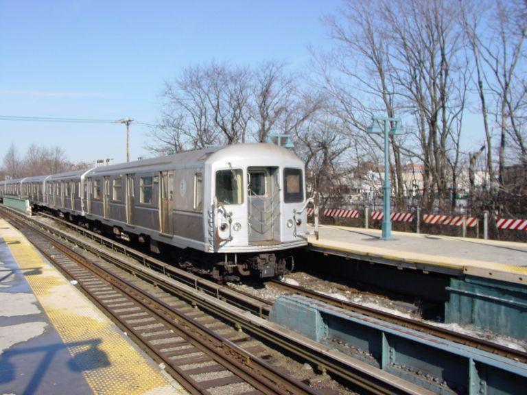 (86k, 768x576)<br><b>Country:</b> United States<br><b>City:</b> New York<br><b>System:</b> New York City Transit<br><b>Line:</b> BMT Brighton Line<br><b>Location:</b> Sheepshead Bay <br><b>Route:</b> Q<br><b>Car:</b> R-40M (St. Louis, 1969)  4493 <br><b>Photo by:</b> Richard Panse<br><b>Date:</b> 2/2004<br><b>Viewed (this week/total):</b> 1 / 3224