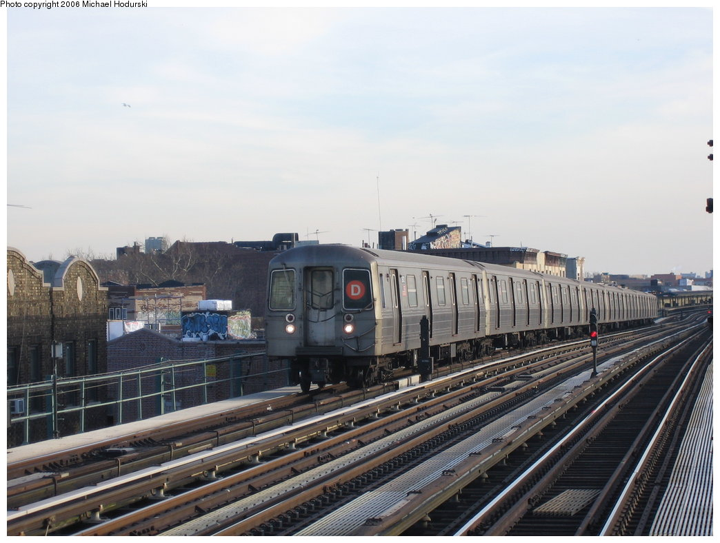 (167k, 1044x788)<br><b>Country:</b> United States<br><b>City:</b> New York<br><b>System:</b> New York City Transit<br><b>Line:</b> BMT West End Line<br><b>Location:</b> 50th Street <br><b>Route:</b> D<br><b>Car:</b> R-68 (Westinghouse-Amrail, 1986-1988)  2572 <br><b>Photo by:</b> Michael Hodurski<br><b>Date:</b> 3/8/2006<br><b>Viewed (this week/total):</b> 2 / 2530