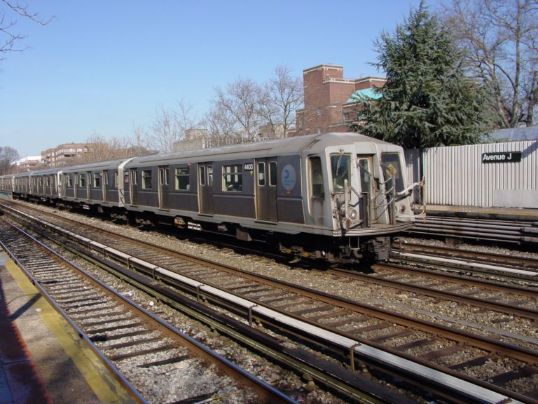 (100k, 768x576)<br><b>Country:</b> United States<br><b>City:</b> New York<br><b>System:</b> New York City Transit<br><b>Line:</b> BMT Brighton Line<br><b>Location:</b> Avenue J <br><b>Route:</b> Q<br><b>Car:</b> R-40 (St. Louis, 1968)  4403 <br><b>Photo by:</b> Richard Panse<br><b>Date:</b> 2/2004<br><b>Viewed (this week/total):</b> 0 / 3209