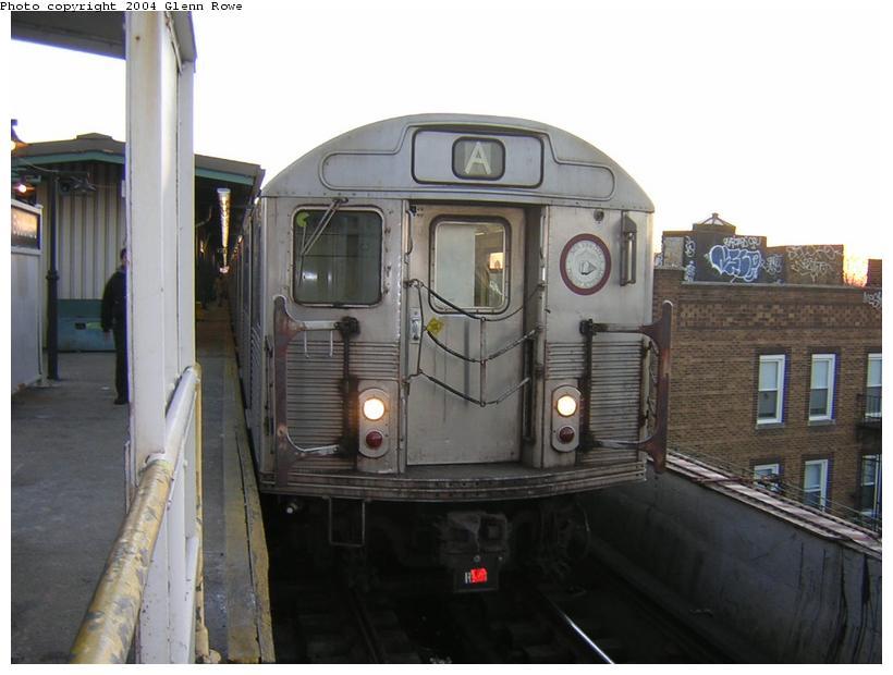(95k, 820x620)<br><b>Country:</b> United States<br><b>City:</b> New York<br><b>System:</b> New York City Transit<br><b>Line:</b> IND Fulton Street Line<br><b>Location:</b> Lefferts Boulevard <br><b>Route:</b> A<br><b>Car:</b> R-38 (St. Louis, 1966-1967)  4133 <br><b>Photo by:</b> Glenn L. Rowe<br><b>Date:</b> 12/16/2003<br><b>Viewed (this week/total):</b> 0 / 4469