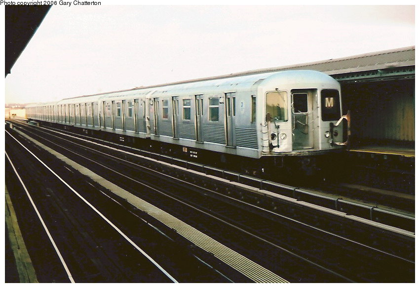 (106k, 851x583)<br><b>Country:</b> United States<br><b>City:</b> New York<br><b>System:</b> New York City Transit<br><b>Line:</b> BMT West End Line<br><b>Location:</b> 71st Street <br><b>Route:</b> M<br><b>Car:</b> R-42 (St. Louis, 1969-1970)  4841 <br><b>Photo by:</b> Gary Chatterton<br><b>Date:</b> 2/6/2006<br><b>Viewed (this week/total):</b> 2 / 3204