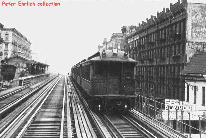 (137k, 714x480)<br><b>Country:</b> United States<br><b>City:</b> New York<br><b>System:</b> New York City Transit<br><b>Line:</b> 3rd Avenue El<br><b>Location:</b> 67th Street <br><b>Car:</b> Manhattan El  <br><b>Collection of:</b> Peter Ehrlich<br><b>Notes:</b> View SOUTH from SB Express towards rear car of SB Gate Car Local entering SB 67th street Station - 1946<br><b>Viewed (this week/total):</b> 4 / 5172