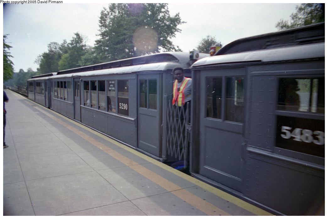 (158k, 1044x698)<br><b>Country:</b> United States<br><b>City:</b> New York<br><b>System:</b> New York City Transit<br><b>Line:</b> IRT Dyre Ave. Line<br><b>Location:</b> Baychester Avenue <br><b>Route:</b> Fan Trip<br><b>Car:</b> Low-V (Museum Train) 5290 <br><b>Photo by:</b> David Pirmann<br><b>Date:</b> 9/13/1998<br><b>Viewed (this week/total):</b> 2 / 3307