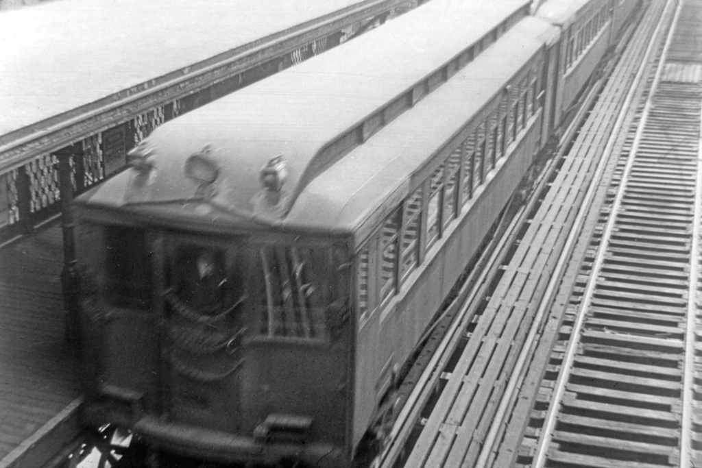 (231k, 1024x683)<br><b>Country:</b> United States<br><b>City:</b> New York<br><b>System:</b> New York City Transit<br><b>Line:</b> 3rd Avenue El<br><b>Location:</b> 34th Street <br><b>Car:</b> MUDC  <br><b>Collection of:</b> David Pirmann<br><b>Viewed (this week/total):</b> 2 / 2378