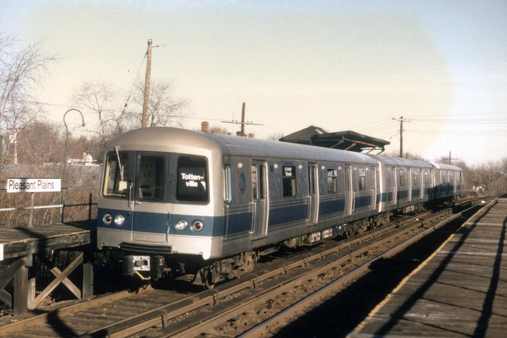 (319k, 1024x683)<br><b>Country:</b> United States<br><b>City:</b> New York<br><b>System:</b> New York City Transit<br><b>Line:</b> SIRT<br><b>Location:</b> Pleasant Plains <br><b>Car:</b> R-44 SIRT (St. Louis, 1971-1973)  <br><b>Photo by:</b> Charles Fiori<br><b>Collection of:</b> David Pirmann<br><b>Viewed (this week/total):</b> 2 / 10501