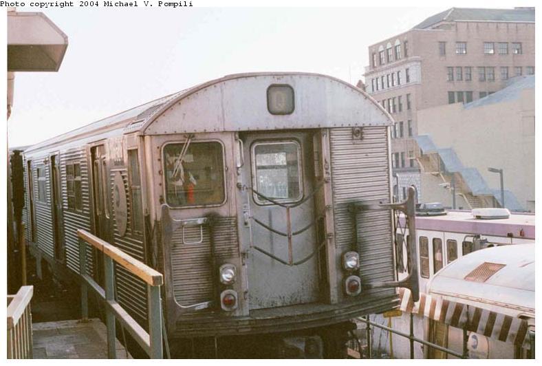 (68k, 788x532)<br><b>Country:</b> United States<br><b>City:</b> New York<br><b>System:</b> New York City Transit<br><b>Location:</b> Coney Island/Stillwell Avenue<br><b>Route:</b> Q<br><b>Car:</b> R-32 (Budd, 1964)  3524 <br><b>Photo by:</b> Michael Pompili<br><b>Date:</b> 10/23/2001<br><b>Viewed (this week/total):</b> 0 / 5767