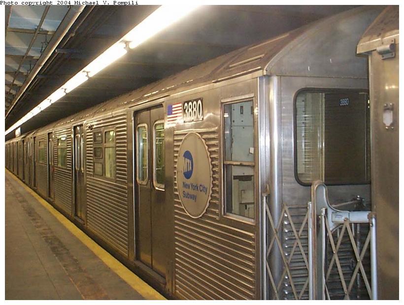 (107k, 820x620)<br><b>Country:</b> United States<br><b>City:</b> New York<br><b>System:</b> New York City Transit<br><b>Line:</b> IND 8th Avenue Line<br><b>Location:</b> 168th Street <br><b>Route:</b> C<br><b>Car:</b> R-32 (GE Rebuild) 3880 <br><b>Photo by:</b> Michael Pompili<br><b>Date:</b> 1/6/2002<br><b>Viewed (this week/total):</b> 0 / 4082