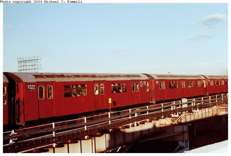 (55k, 788x532)<br><b>Country:</b> United States<br><b>City:</b> New York<br><b>System:</b> New York City Transit<br><b>Line:</b> IRT Flushing Line<br><b>Location:</b> Queensborough Plaza <br><b>Route:</b> 7<br><b>Car:</b> R-33 World's Fair (St. Louis, 1963-64) 9322 <br><b>Photo by:</b> Michael Pompili<br><b>Date:</b> 6/29/2001<br><b>Viewed (this week/total):</b> 0 / 2176