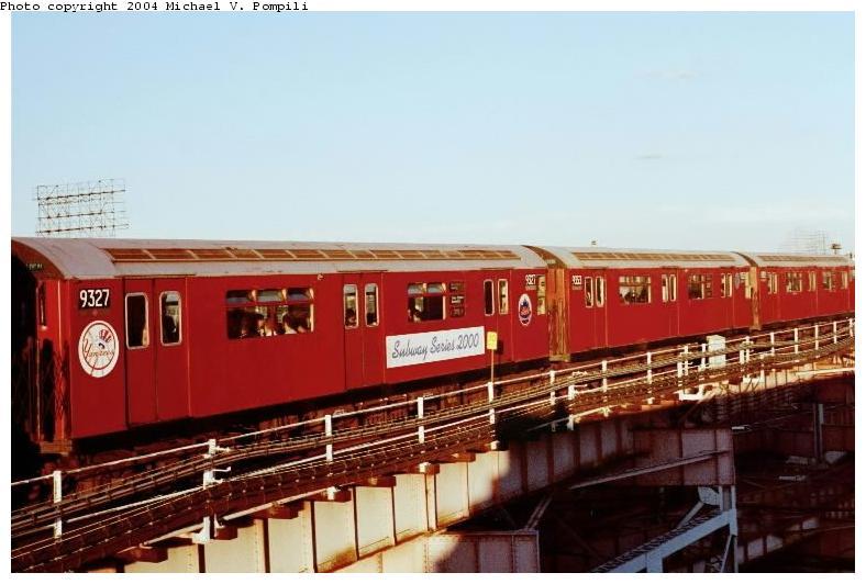 (60k, 788x532)<br><b>Country:</b> United States<br><b>City:</b> New York<br><b>System:</b> New York City Transit<br><b>Line:</b> IRT Flushing Line<br><b>Location:</b> Queensborough Plaza <br><b>Route:</b> 7<br><b>Car:</b> R-33 World's Fair (St. Louis, 1963-64) 9327 <br><b>Photo by:</b> Michael Pompili<br><b>Date:</b> 6/29/2001<br><b>Viewed (this week/total):</b> 0 / 2217