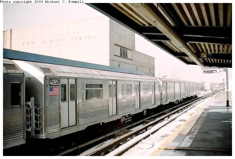(65k, 788x532)<br><b>Country:</b> United States<br><b>City:</b> New York<br><b>System:</b> New York City Transit<br><b>Line:</b> IND Rockaway<br><b>Location:</b> Broad Channel <br><b>Route:</b> A<br><b>Car:</b> R-38 (St. Louis, 1966-1967)  4085 <br><b>Photo by:</b> Michael Pompili<br><b>Date:</b> 12/8/2002<br><b>Viewed (this week/total):</b> 0 / 3802