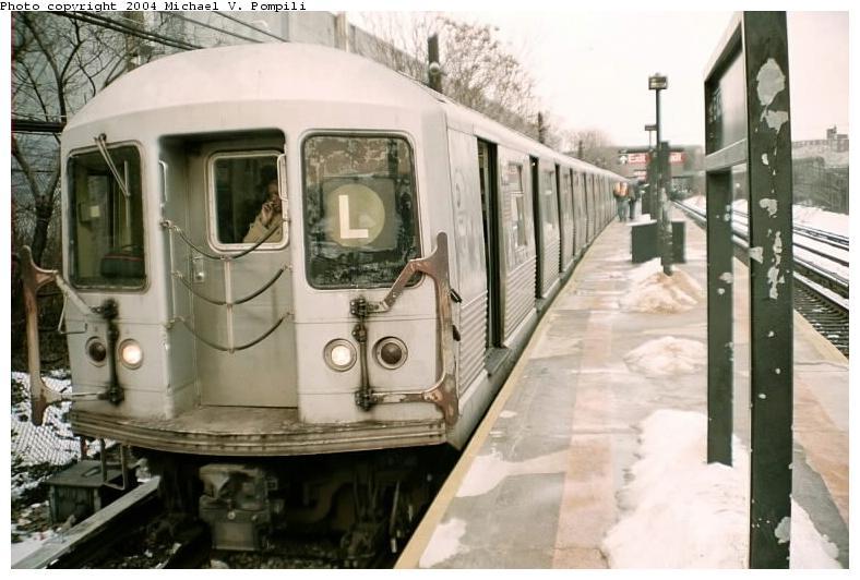 (69k, 788x532)<br><b>Country:</b> United States<br><b>City:</b> New York<br><b>System:</b> New York City Transit<br><b>Line:</b> BMT Canarsie Line<br><b>Location:</b> East 105th Street <br><b>Route:</b> L<br><b>Car:</b> R-42 (St. Louis, 1969-1970)   <br><b>Photo by:</b> Michael Pompili<br><b>Date:</b> 12/8/2002<br><b>Viewed (this week/total):</b> 5 / 4489