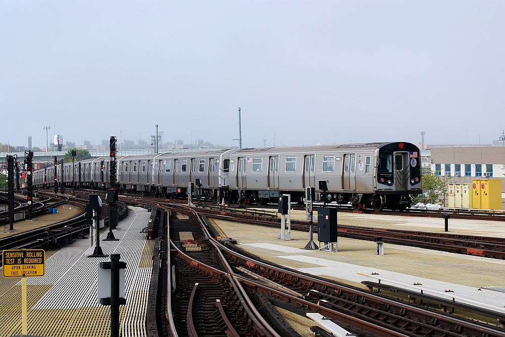 (154k, 1000x669)<br><b>Country:</b> United States<br><b>City:</b> New York<br><b>System:</b> New York City Transit<br><b>Location:</b> Coney Island/Stillwell Avenue<br><b>Route:</b> N<br><b>Car:</b> R-160A/R-160B Series (Number Unknown)  <br><b>Photo by:</b> Richard Chase<br><b>Date:</b> 5/16/2009<br><b>Viewed (this week/total):</b> 0 / 1189