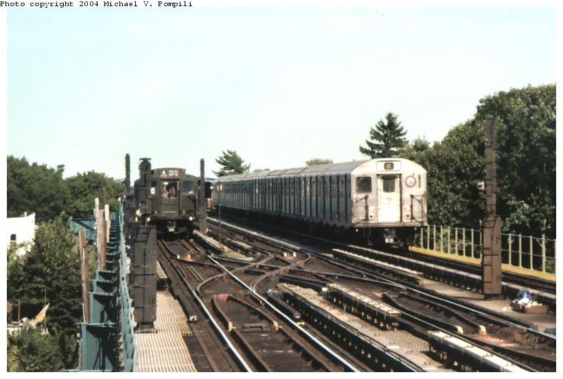 (83k, 820x553)<br><b>Country:</b> United States<br><b>City:</b> New York<br><b>System:</b> New York City Transit<br><b>Line:</b> IND Fulton Street Line<br><b>Location:</b> 80th Street/Hudson Street <br><b>Route:</b> Fan Trip<br><b>Car:</b> R-4 (American Car & Foundry, 1932-1933) 484 <br><b>Photo by:</b> Michael Pompili<br><b>Date:</b> 8/24/2003<br><b>Viewed (this week/total):</b> 2 / 4048