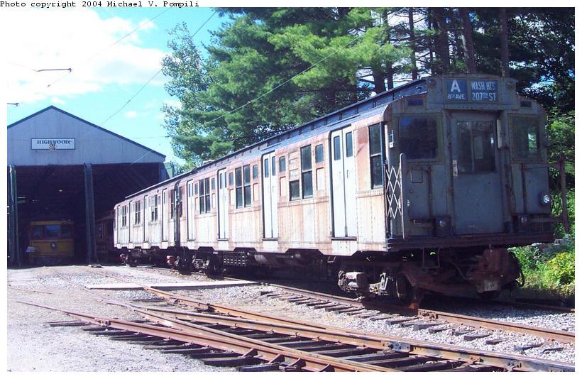 (114k, 820x534)<br><b>Country:</b> United States<br><b>City:</b> Kennebunk, ME<br><b>System:</b> Seashore Trolley Museum <br><b>Car:</b> R-4 (American Car & Foundry, 1932-1933) 800 <br><b>Photo by:</b> Michael Pompili<br><b>Date:</b> 9/1/2001<br><b>Viewed (this week/total):</b> 2 / 4541