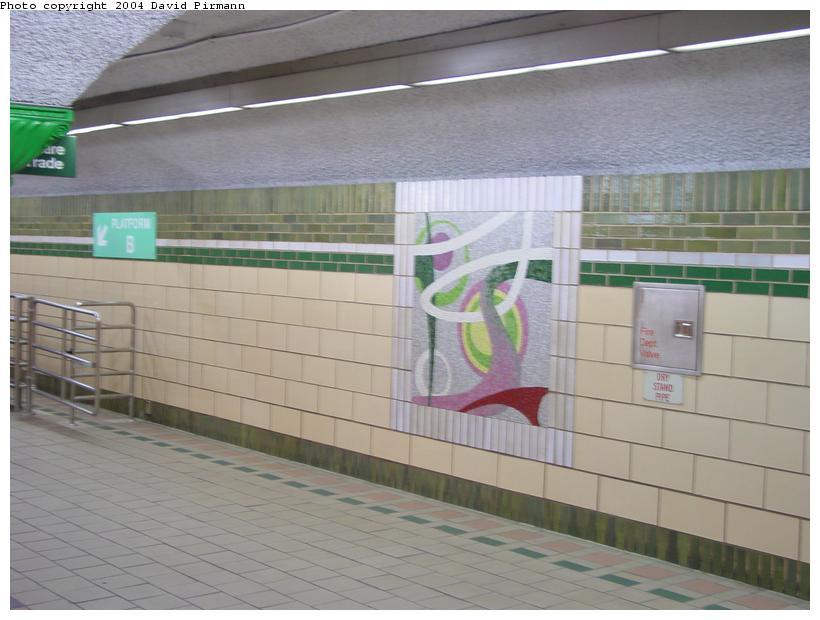 (69k, 820x620)<br><b>Country:</b> United States<br><b>City:</b> Jersey City, NJ<br><b>System:</b> PATH<br><b>Location:</b> Pavonia/Newport <br><b>Photo by:</b> David Pirmann<br><b>Date:</b> 2/13/2004<br><b>Notes:</b> Mezzanine<br><b>Viewed (this week/total):</b> 1 / 3769