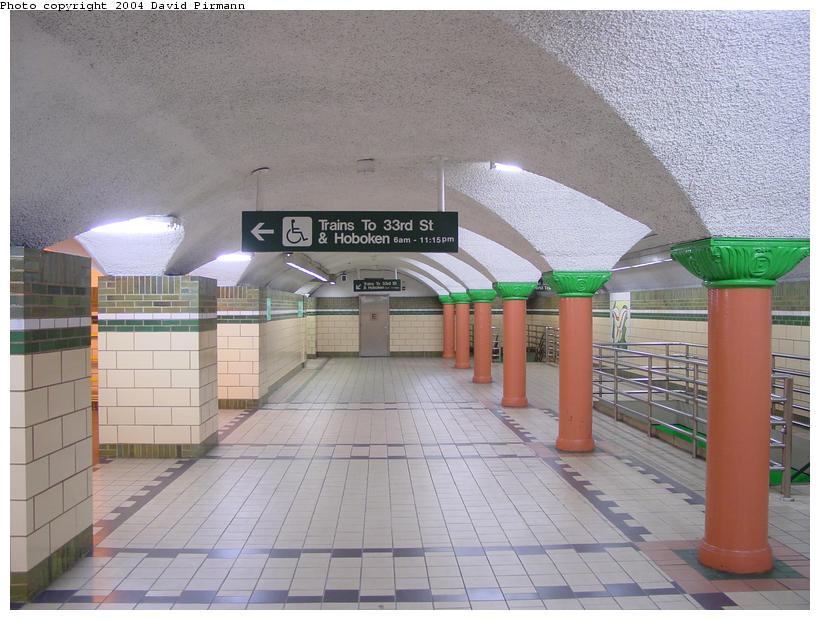 (85k, 820x620)<br><b>Country:</b> United States<br><b>City:</b> Jersey City, NJ<br><b>System:</b> PATH<br><b>Location:</b> Pavonia/Newport <br><b>Photo by:</b> David Pirmann<br><b>Date:</b> 2/13/2004<br><b>Notes:</b> Mezzanine<br><b>Viewed (this week/total):</b> 2 / 5298