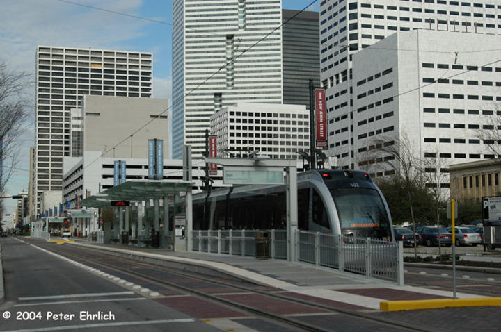 (162k, 720x478)<br><b>Country:</b> United States<br><b>City:</b> Houston, TX<br><b>System:</b> Houston METRORail<br><b>Location:</b> Approaching Bell Station <br><b>Car:</b> Siemens Avanto 102 <br><b>Photo by:</b> Peter Ehrlich<br><b>Date:</b> 2/5/2004<br><b>Viewed (this week/total):</b> 3 / 4103