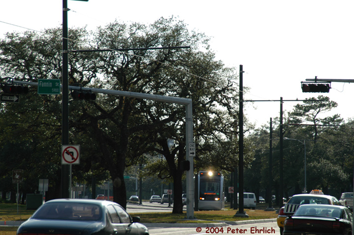 (167k, 720x478)<br><b>Country:</b> United States<br><b>City:</b> Houston, TX<br><b>System:</b> Houston METRORail<br><b>Location:</b> Hermann Park & Golf Course Drive <br><b>Car:</b> Siemens Avanto 105 <br><b>Photo by:</b> Peter Ehrlich<br><b>Date:</b> 2/5/2004<br><b>Viewed (this week/total):</b> 1 / 2835