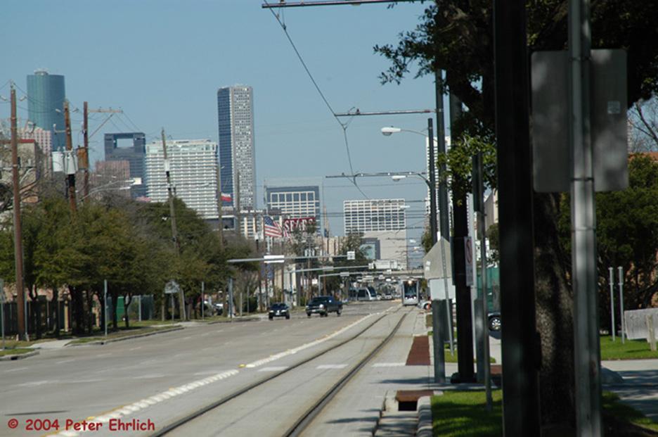 (195k, 936x621)<br><b>Country:</b> United States<br><b>City:</b> Houston, TX<br><b>System:</b> Houston METRORail<br><b>Location:</b> Fannin & Southmore <br><b>Car:</b> Siemens Avanto 106 <br><b>Photo by:</b> Peter Ehrlich<br><b>Date:</b> 2/6/2004<br><b>Viewed (this week/total):</b> 1 / 3589