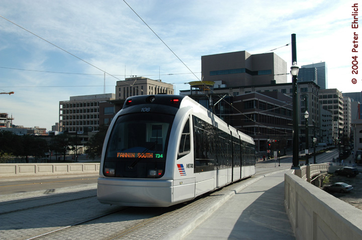 (125k, 720x478)<br><b>Country:</b> United States<br><b>City:</b> Houston, TX<br><b>System:</b> Houston METRORail<br><b>Location:</b> South of UH-Downtown <br><b>Car:</b> Siemens Avanto 106 <br><b>Photo by:</b> Peter Ehrlich<br><b>Date:</b> 2/6/2004<br><b>Notes:</b> Facing Commerce Street<br><b>Viewed (this week/total):</b> 0 / 8889