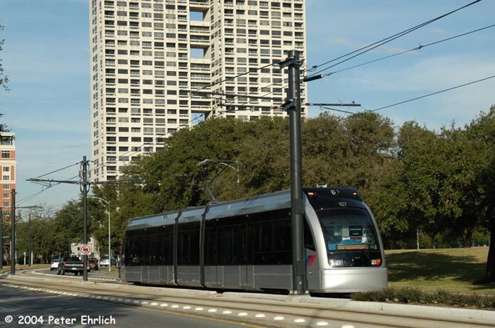 (175k, 720x478)<br><b>Country:</b> United States<br><b>City:</b> Houston, TX<br><b>System:</b> Houston METRORail<br><b>Location:</b> Hermann Park & Golf Course Drive <br><b>Car:</b> Siemens Avanto 107 <br><b>Photo by:</b> Peter Ehrlich<br><b>Date:</b> 2/5/2004<br><b>Viewed (this week/total):</b> 0 / 3138
