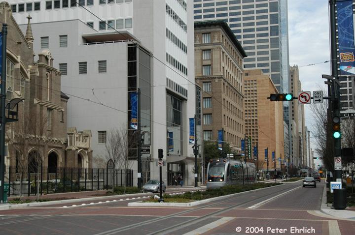 (160k, 720x478)<br><b>Country:</b> United States<br><b>City:</b> Houston, TX<br><b>System:</b> Houston METRORail<br><b>Location:</b> Main nr. Clay <br><b>Car:</b> Siemens Avanto 109 <br><b>Photo by:</b> Peter Ehrlich<br><b>Date:</b> 2/6/2004<br><b>Viewed (this week/total):</b> 1 / 4205