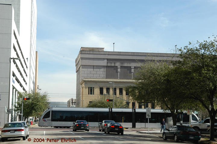 (128k, 720x478)<br><b>Country:</b> United States<br><b>City:</b> Houston, TX<br><b>System:</b> Houston METRORail<br><b>Location:</b> Main & Clay <br><b>Car:</b> Siemens Avanto 114 <br><b>Photo by:</b> Peter Ehrlich<br><b>Date:</b> 2/5/2004<br><b>Viewed (this week/total):</b> 2 / 4113