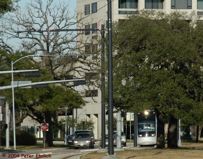 (216k, 687x540)<br><b>Country:</b> United States<br><b>City:</b> Houston, TX<br><b>System:</b> Houston METRORail<br><b>Location:</b> Hermann Park & Golf Course Drive <br><b>Car:</b> Siemens Avanto 117 <br><b>Photo by:</b> Peter Ehrlich<br><b>Date:</b> 2/5/2004<br><b>Viewed (this week/total):</b> 0 / 2824