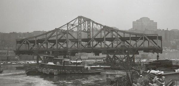 (50k, 600x289)<br><b>Country:</b> United States<br><b>City:</b> New York<br><b>System:</b> New York City Transit<br><b>Line:</b> IRT West Side Line<br><b>Location:</b> Broadway Bridge <br><b>Photo by:</b> Cameron W. Reed<br><b>Date:</b> 12/24/1960<br><b>Notes:</b> Old bridge being removed<br><b>Viewed (this week/total):</b> 1 / 2037