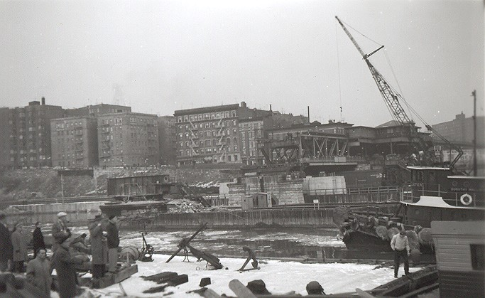 (86k, 683x419)<br><b>Country:</b> United States<br><b>City:</b> New York<br><b>System:</b> New York City Transit<br><b>Line:</b> IRT West Side Line<br><b>Location:</b> Broadway Bridge <br><b>Photo by:</b> Cameron W. Reed<br><b>Date:</b> 12/24/1960<br><b>Notes:</b> View after old bridge removed<br><b>Viewed (this week/total):</b> 3 / 2360