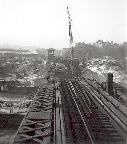 (69k, 418x472)<br><b>Country:</b> United States<br><b>City:</b> New York<br><b>System:</b> New York City Transit<br><b>Line:</b> IRT West Side Line<br><b>Location:</b> Broadway Bridge <br><b>Photo by:</b> Cameron W. Reed<br><b>Date:</b> 12/24/1960<br><b>Notes:</b> View after old bridge removed<br><b>Viewed (this week/total):</b> 0 / 2966