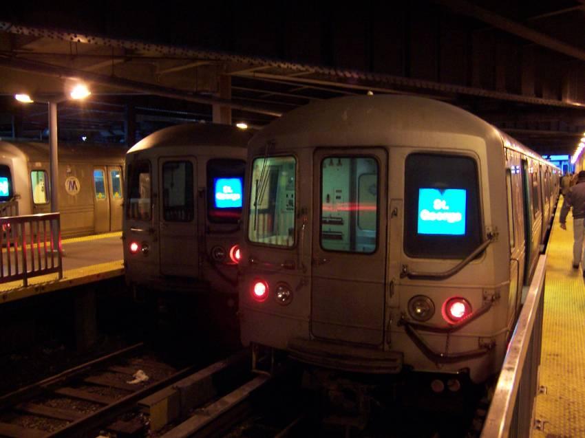 (54k, 850x637)<br><b>Country:</b> United States<br><b>City:</b> New York<br><b>System:</b> New York City Transit<br><b>Line:</b> SIRT<br><b>Location:</b> St. George <br><b>Route:</b> SIRT<br><b>Photo by:</b> Michael Korby<br><b>Date:</b> 1/2004<br><b>Viewed (this week/total):</b> 3 / 6253