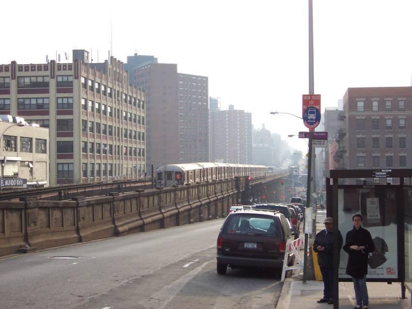 (63k, 850x637)<br><b>Country:</b> United States<br><b>City:</b> New York<br><b>System:</b> New York City Transit<br><b>Line:</b> IRT West Side Line<br><b>Location:</b> 125th Street <br><b>Route:</b> 1<br><b>Photo by:</b> Michael Korby<br><b>Date:</b> 1/2004<br><b>Viewed (this week/total):</b> 0 / 4111
