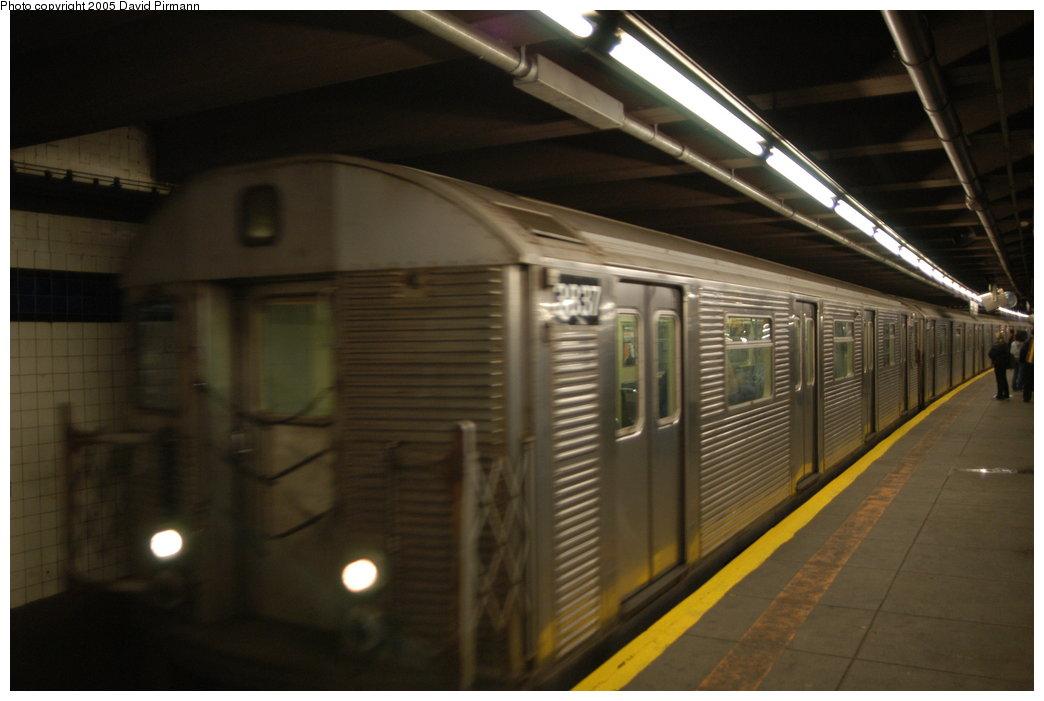 (150k, 1044x701)<br><b>Country:</b> United States<br><b>City:</b> New York<br><b>System:</b> New York City Transit<br><b>Line:</b> IND 8th Avenue Line<br><b>Location:</b> 59th Street/Columbus Circle <br><b>Route:</b> A<br><b>Car:</b> R-32 (Budd, 1964)  3837 <br><b>Photo by:</b> David Pirmann<br><b>Date:</b> 2/29/2004<br><b>Viewed (this week/total):</b> 0 / 4399