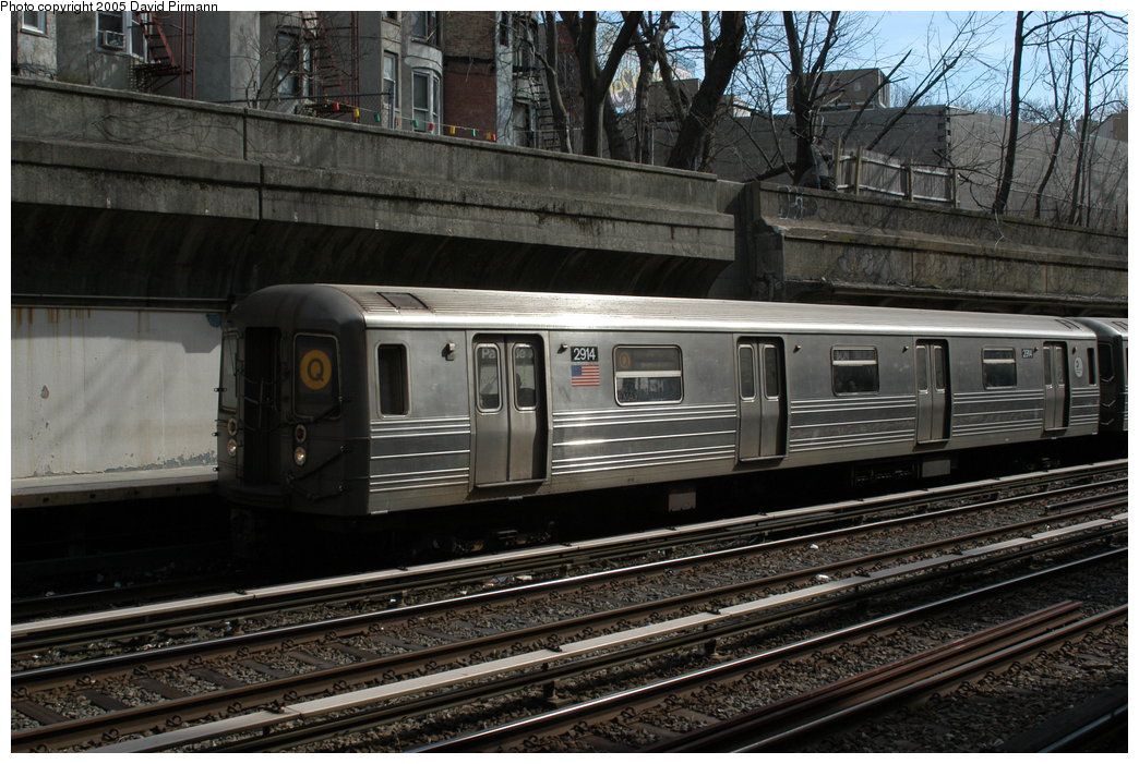 (229k, 1044x701)<br><b>Country:</b> United States<br><b>City:</b> New York<br><b>System:</b> New York City Transit<br><b>Line:</b> BMT Brighton Line<br><b>Location:</b> Parkside Avenue <br><b>Route:</b> Q<br><b>Car:</b> R-68 (Westinghouse-Amrail, 1986-1988)  2914 <br><b>Photo by:</b> David Pirmann<br><b>Date:</b> 2/29/2004<br><b>Viewed (this week/total):</b> 0 / 3288