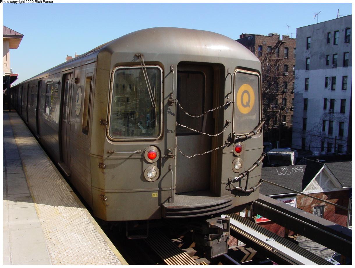 (69k, 768x576)<br><b>Country:</b> United States<br><b>City:</b> New York<br><b>System:</b> New York City Transit<br><b>Line:</b> BMT Brighton Line<br><b>Location:</b> Brighton Beach <br><b>Route:</b> Q<br><b>Car:</b> R-68A (Kawasaki, 1988-1989)  5170 <br><b>Photo by:</b> Richard Panse<br><b>Date:</b> 2/28/2004<br><b>Viewed (this week/total):</b> 1 / 3552