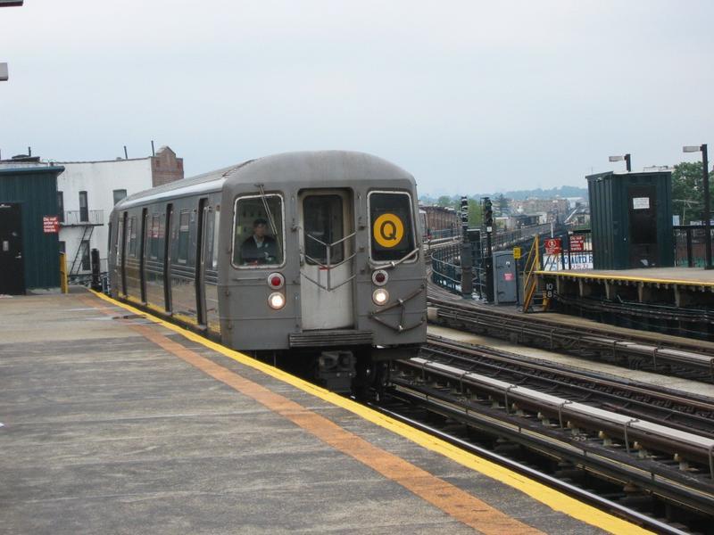(70k, 800x600)<br><b>Country:</b> United States<br><b>City:</b> New York<br><b>System:</b> New York City Transit<br><b>Line:</b> BMT West End Line<br><b>Location:</b> 18th Avenue <br><b>Route:</b> Q<br><b>Car:</b> R-68/R-68A Series (Number Unknown)  <br><b>Photo by:</b> Mike DiMeglio<br><b>Date:</b> 6/15/2002<br><b>Viewed (this week/total):</b> 1 / 5035