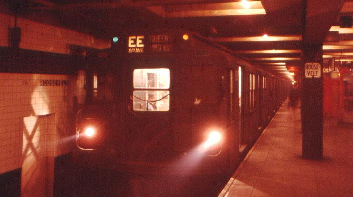 (65k, 704x392)<br><b>Country:</b> United States<br><b>City:</b> New York<br><b>System:</b> New York City Transit<br><b>Line:</b> IND Queens Boulevard Line<br><b>Location:</b> Roosevelt Avenue <br><b>Route:</b> EE<br><b>Car:</b> R-1/R-9 Series   <br><b>Collection of:</b> David Pirmann<br><b>Viewed (this week/total):</b> 4 / 4360