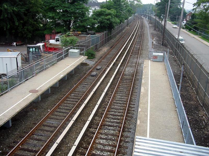 (151k, 800x600)<br><b>Country:</b> United States<br><b>City:</b> New York<br><b>System:</b> New York City Transit<br><b>Line:</b> SIRT<br><b>Location:</b> Atlantic <br><b>Photo by:</b> Christopher Rivera<br><b>Date:</b> 8/18/2003<br><b>Viewed (this week/total):</b> 1 / 4236