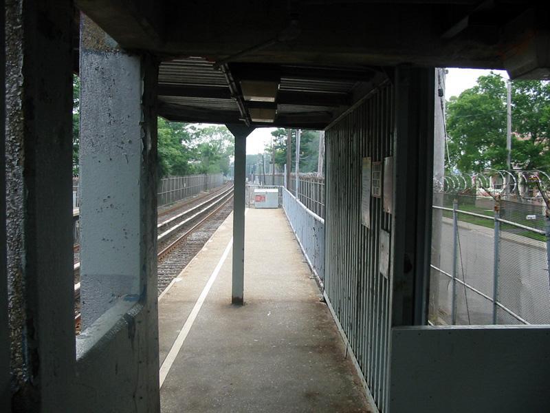 (105k, 800x600)<br><b>Country:</b> United States<br><b>City:</b> New York<br><b>System:</b> New York City Transit<br><b>Line:</b> SIRT<br><b>Location:</b> Atlantic <br><b>Photo by:</b> Christopher Rivera<br><b>Date:</b> 8/18/2003<br><b>Viewed (this week/total):</b> 2 / 4309