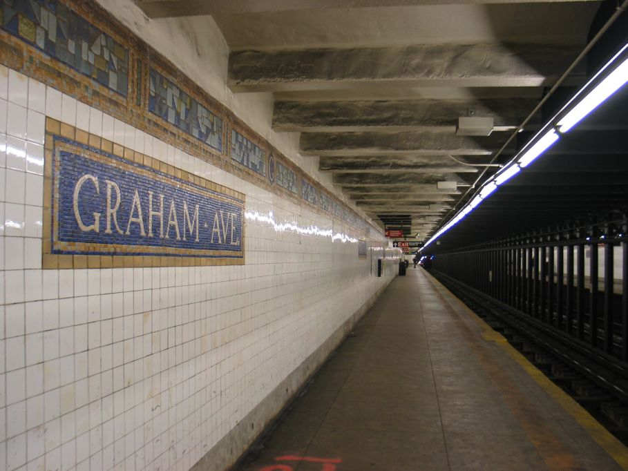(93k, 909x682)<br><b>Country:</b> United States<br><b>City:</b> New York<br><b>System:</b> New York City Transit<br><b>Line:</b> BMT Canarsie Line<br><b>Location:</b> Graham Avenue <br><b>Photo by:</b> Brian Weinberg<br><b>Date:</b> 3/10/2004<br><b>Viewed (this week/total):</b> 1 / 2898