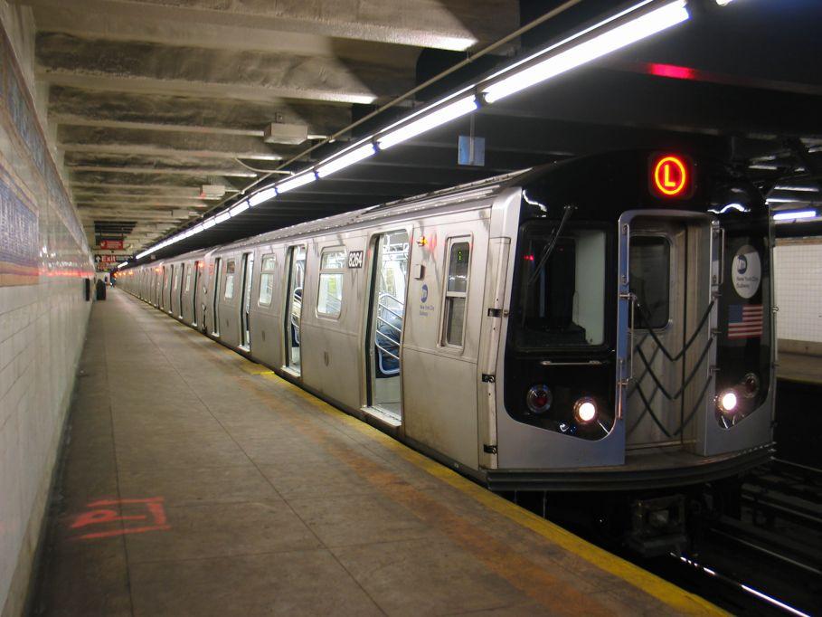 (92k, 909x682)<br><b>Country:</b> United States<br><b>City:</b> New York<br><b>System:</b> New York City Transit<br><b>Line:</b> BMT Canarsie Line<br><b>Location:</b> Graham Avenue <br><b>Route:</b> L<br><b>Car:</b> R-143 (Kawasaki, 2001-2002) 8264 <br><b>Photo by:</b> Brian Weinberg<br><b>Date:</b> 3/10/2004<br><b>Viewed (this week/total):</b> 0 / 6882