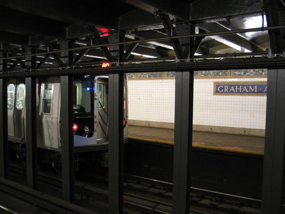 (83k, 909x682)<br><b>Country:</b> United States<br><b>City:</b> New York<br><b>System:</b> New York City Transit<br><b>Line:</b> BMT Canarsie Line<br><b>Location:</b> Graham Avenue <br><b>Route:</b> L<br><b>Car:</b> R-143 (Kawasaki, 2001-2002)  <br><b>Photo by:</b> Brian Weinberg<br><b>Date:</b> 3/10/2004<br><b>Viewed (this week/total):</b> 1 / 5446