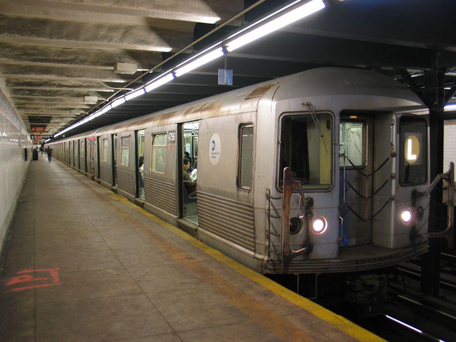 (90k, 909x682)<br><b>Country:</b> United States<br><b>City:</b> New York<br><b>System:</b> New York City Transit<br><b>Line:</b> BMT Canarsie Line<br><b>Location:</b> Graham Avenue <br><b>Car:</b> R-42 (St. Louis, 1969-1970)  4756 <br><b>Photo by:</b> Brian Weinberg<br><b>Date:</b> 3/10/2004<br><b>Viewed (this week/total):</b> 2 / 6039