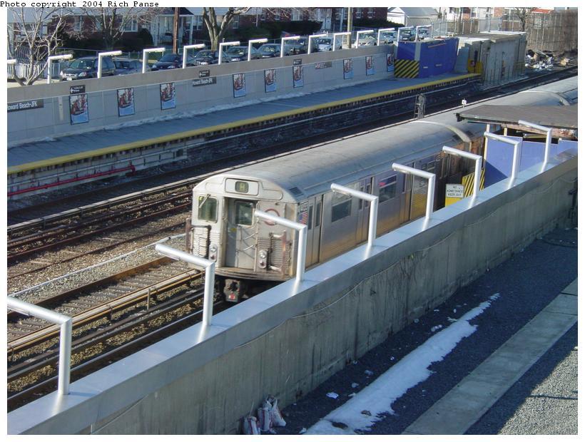 (103k, 820x620)<br><b>Country:</b> United States<br><b>City:</b> New York<br><b>System:</b> New York City Transit<br><b>Line:</b> IND Rockaway<br><b>Location:</b> Howard Beach <br><b>Route:</b> A<br><b>Car:</b> R-38 (St. Louis, 1966-1967)  4133 <br><b>Photo by:</b> Richard Panse<br><b>Date:</b> 2/10/2004<br><b>Viewed (this week/total):</b> 0 / 4322